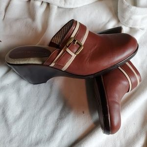 Tommy Hilfiger NEW Clogs Womens 8.5 M Brown Leathe